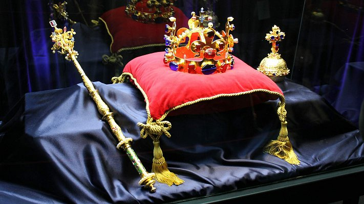 In the Footsteps of the Crown Jewels